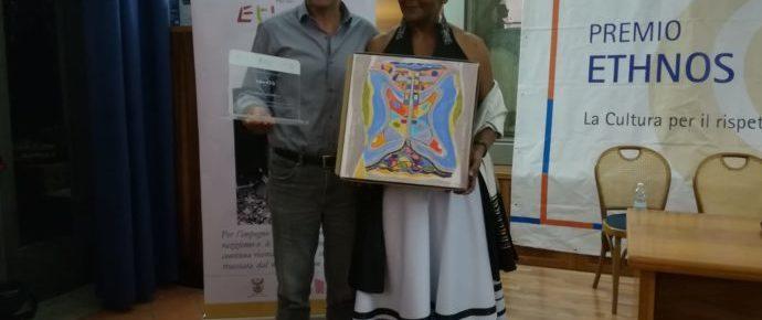 Ndileka Mandela riceve il Premio Ethnos 2018